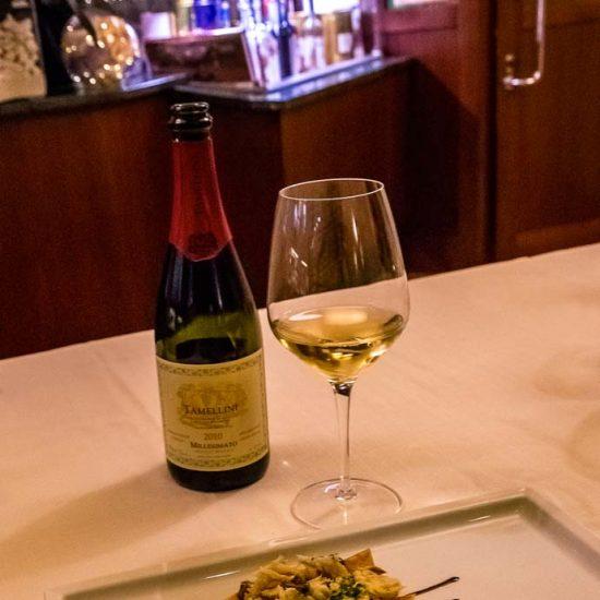 Cestino di pasta fillo ripieno con Baccalà insalata, patate e olive Taggiasche abbinato a: La Montecchia - Rolandino Pinot Bianco