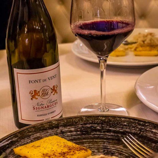 Baccalà alla Vicentina con polenta come tradizione vuole abbinato a: Domaine Font Du Vent - Cotes du Rhone Villages Notre Passion.